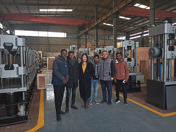 印尼客户到济南辰达工厂考察订购FUN88电竞设备
